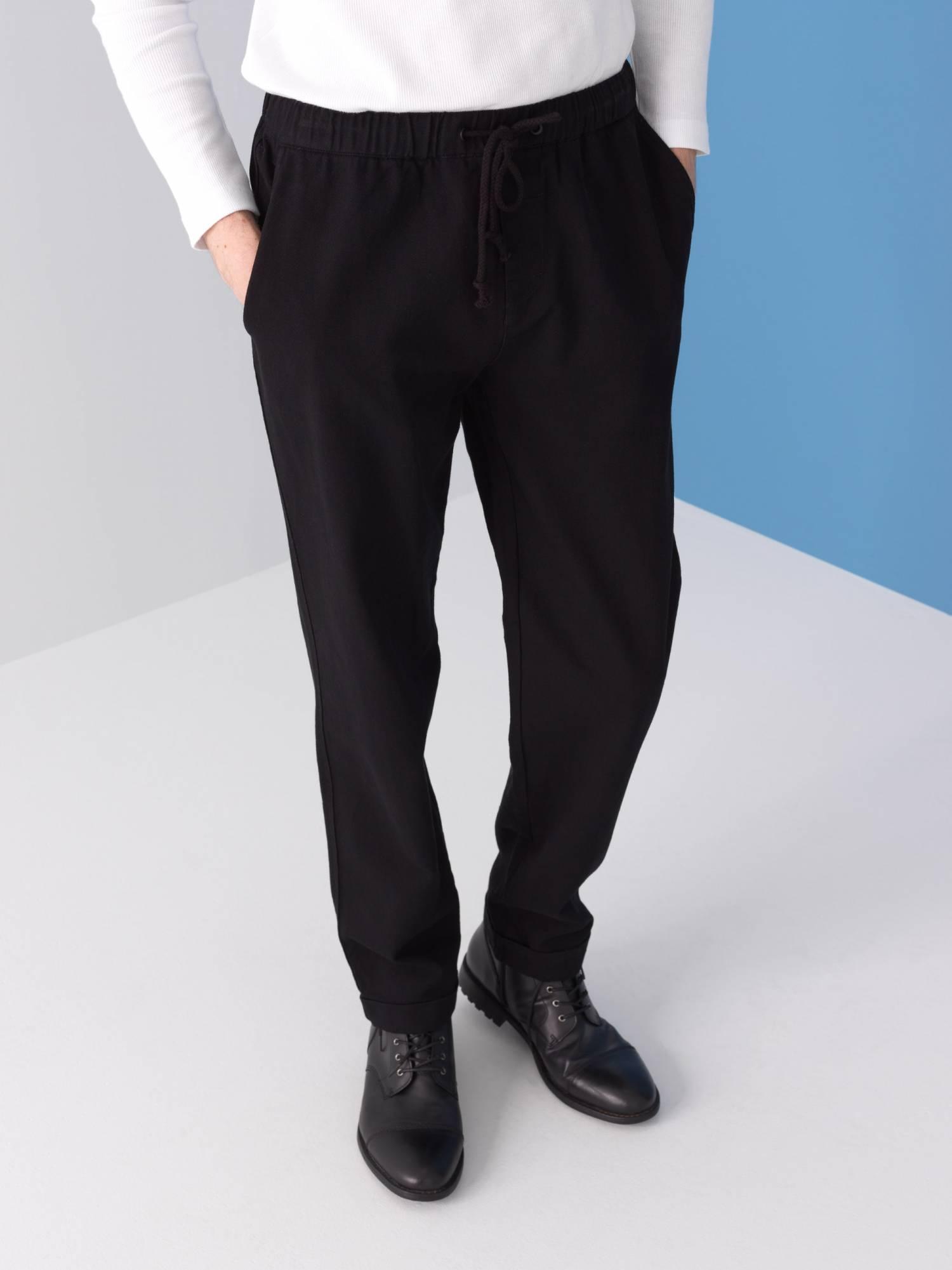 Pantalon élastiqué en sergé