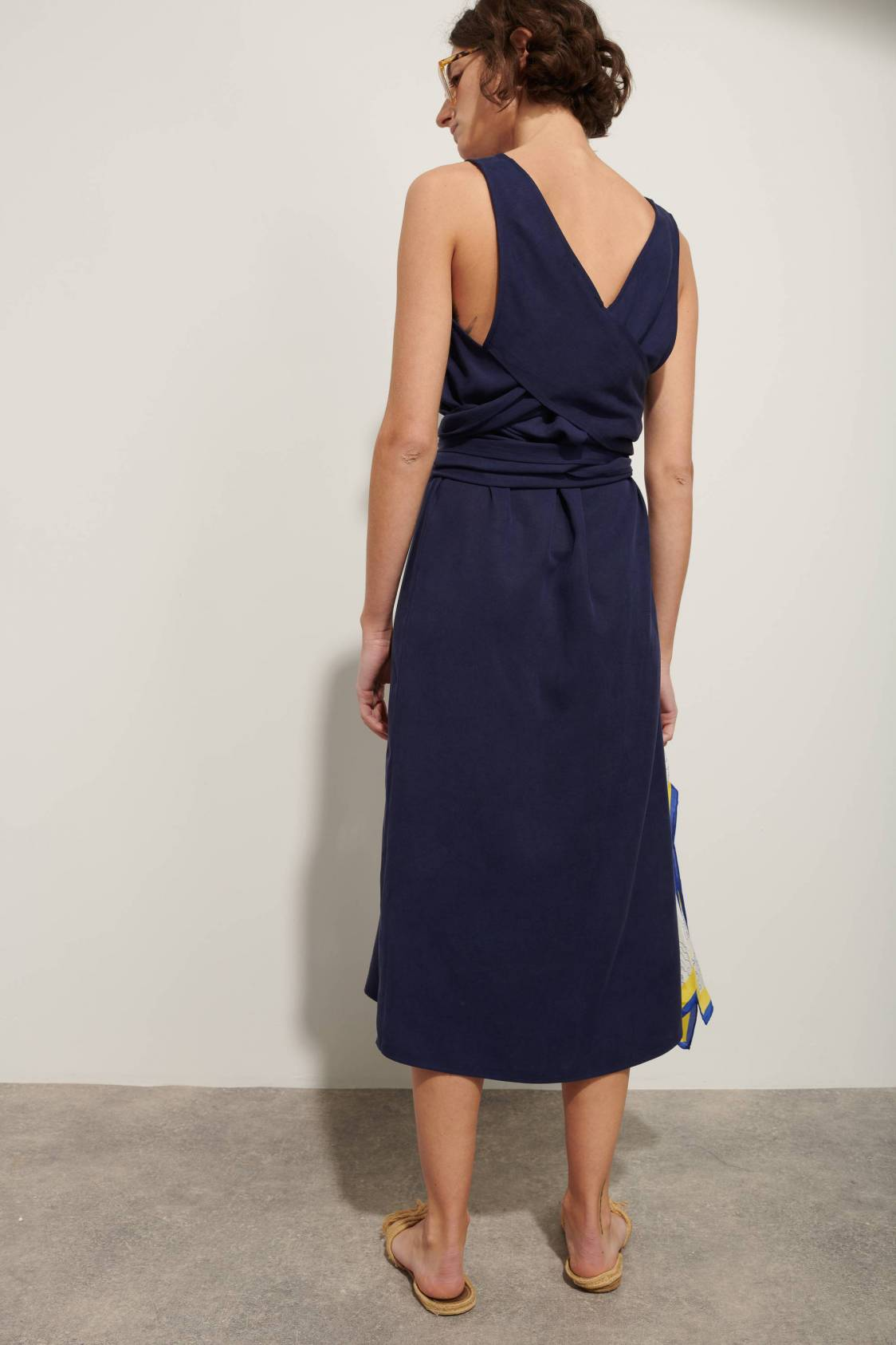 Robe taille nouée