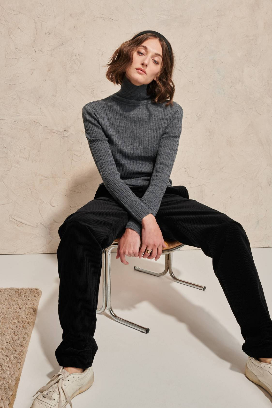 Fitted Textured Knit Turtleneck Sweater