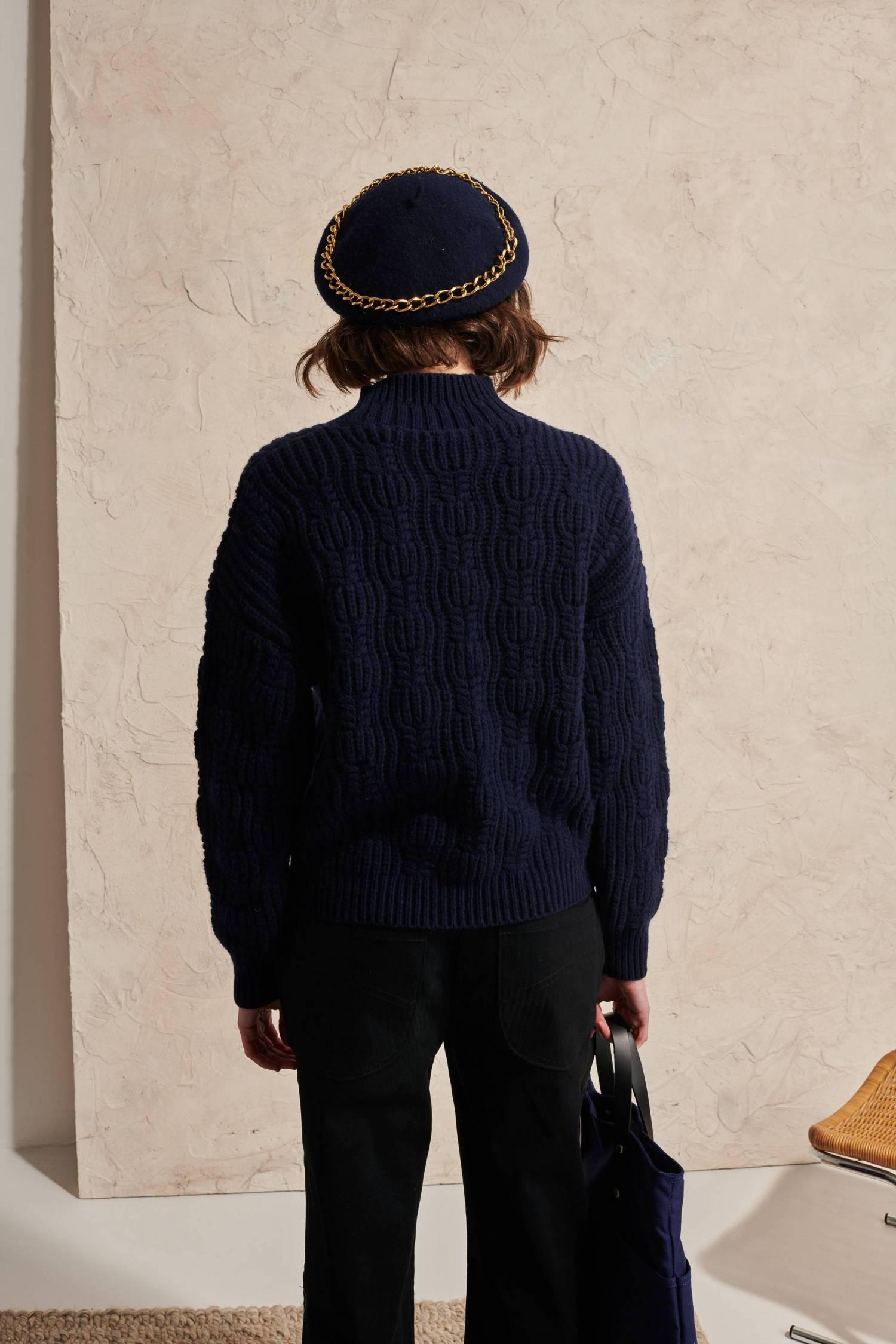 Pull épais reliéfé en laine d'agneau
