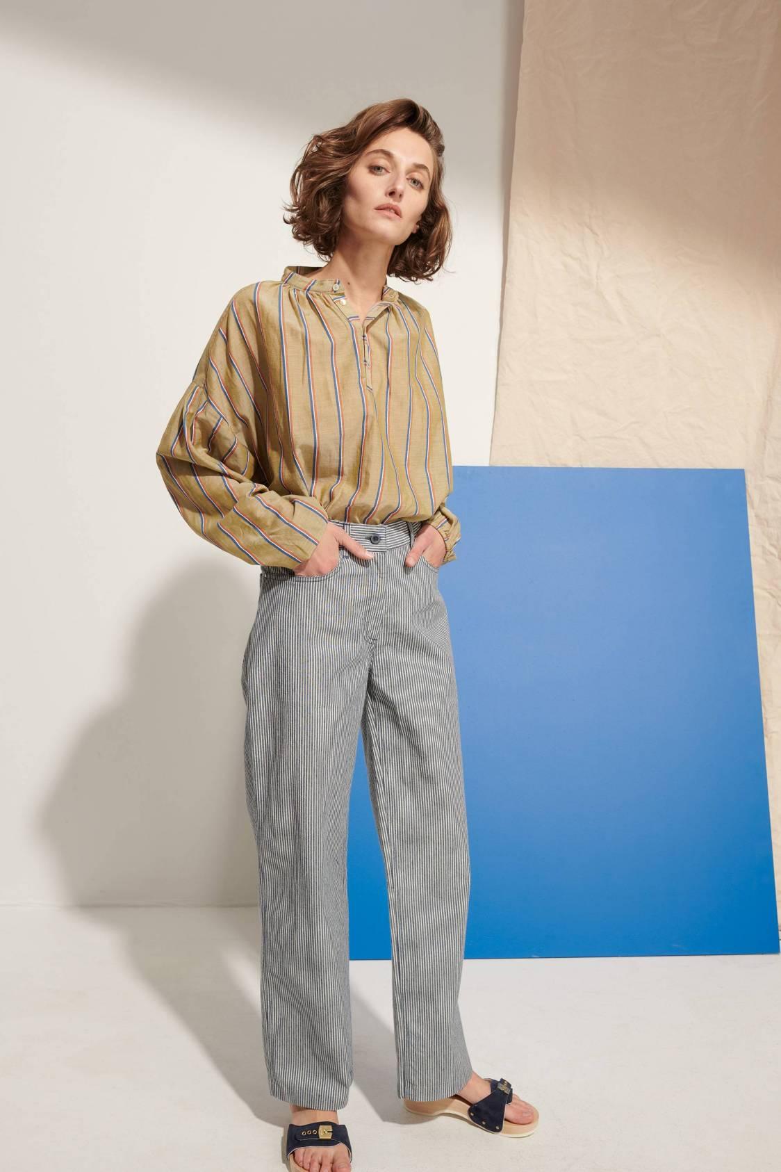 Light Mandarin-collar Shirt