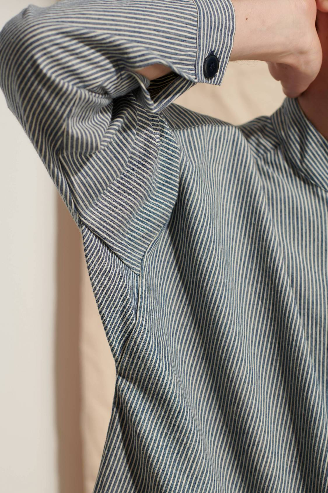 Mandarin-collar Wide Shirt