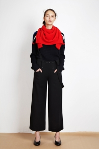 Cashmere sweater<br/>Bubble knit sweater<br/>Wool crêpe sailor suspender trousers