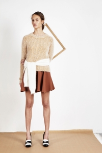 Bicolor angora sweater<br/>Angora élémentaire sweater<br/>Milano piqué knit skirt