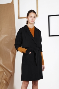 Wool crêpe trench<br/>Cashmere sweater